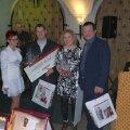 Paremal on OÜ Ahjumaailm pärjatud meistrid Riina Siimar ja Raivo Koppel.