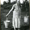 Naine kaelkookudega, 1930 -ndad.