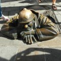 FOTOD: Bratislava omapärane sümbol täidab soove