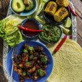 RETSEPT | Särtsakas õhtusöök: seakülje-carnita'ga tortiljad