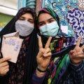 Pealinnas Teheranis eile hääletamas käinud iraanlannad.