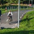Kõnniteede rajamine põhiteede kõrvale on muutunud standardiks, seda just liiklusohutuse pärast.