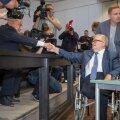 Vanad võitluskaaslased Villu Reiljan ja Edgar Savisaar. Reiljani tänasest tunnistusest oodatakse avameelsust, sest prokuratuur on vihjanud, et sellest oleneb tema kokkulepe.