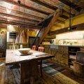 FOTOD   Tallinna vanalinna sisse seatud kodu ammutab inspiratsiooni arhailistest rehetaludest