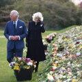 FOTOD | Printsi pisarad: Charlesi ja Camillat liigutasid rahva toodud lilled ja kirjad Philipile