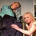 """Arvo Kukumägi mängib näidendis """"Kaheksa varbaga kuningas"""" koos Tallinna Linnateatri näitleja Piret Kaldaga. Foto: Kalju Orro"""