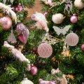 Рождественские тренды: от спокойного минимализма до экзотического райского леса