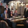 Barolosid uurisid restoranis Ö (vasakult): Kalle Müller, veiniajakirjanik ja juunior-sommeljee; Igor Sööt, veinikoolitaja ja sommeljee; Arne Pajula, veinikoolitaja ja veinikirjutaja; Toivo Voit, sommeljee; Triinu van Buuren, sommeljee (Bestwine); Tanel Eigi, veiniajakirjanik; Matti Timmermann, veinikoolitaja; Indrek Poolak, sommeljee.