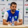 FCI Levadia peatreener Marko Savic mängueelsel pressikonverentsil.