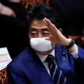 Jaapan hakkab miljonitele elanikele kaitsemaske koju saatma
