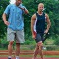 Argo Golberg (paremal) ja Erki Nool, üks tema treeneritest.