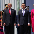 VIDEO | Valus hoop Trumpi egole: Poola esileedi temaga kätt suruma ei kibelenud