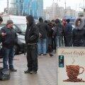 KAS TÄNA LÄHEB ÕNNEKS? Töötus on Ukrainas endiselt suur probleem. Seda näeb eredalt Kiievi rongijaamas, kuhu töötud kogunevad ootuses juhutööotsi noppida.