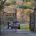 Vene diplomaatide autod Killenworthi väravas.