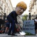 Briti parlamendi töö peatamine kutsus esile vihase vastukaja: ebademokraatlik!