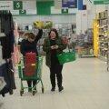 FOTOD | Tallinn, linn mis enam kunagi ei maga! Vastavatud öö-hüpermarketis ostles hea mitukümmend inimest