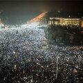 VIDEO ja FOTOD: Rumeenias tuli valitsuse järeleandmisest hoolimata tänavatele 500 000 inimest