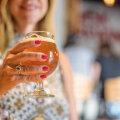 KOLUMN | Viiekümneselt vaba Marit: kuidas ma esimest korda elus Valli baaris käisin ja gigologa tutvusin