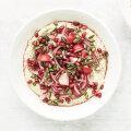 Hummus kiirmarineeritud punase sibula ja granaatõuna seemnetega