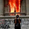 Guatemalas tungiti protestide käigus kongressi ja pandi sellele ka tuli otsa