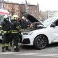 ФОТО | В центре Таллинна столкнулись автобус и легковушка. Тяжело пострадала женщина-водитель