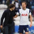 Harry Kane maikuu kohtumises Tottenhami eest