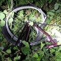 Pärnumaal hukkus maasturi rataste all 14-aastane tüdruk, juht põgenes