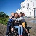 Arstid avastasid lapseootel ema kuklast tsüstid, aasta pärast jäi ta ratastooli...