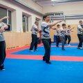 Wing tjun'iga saab tegeleda noorest east kuni kõrge vanuseni ja see sobib väga hästi ka perekonna ühiseks harrastuseks.