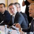 Ülemkogu eesistuja Donald Tusk ütleb koosoleku avasõnad, tema kõrval Eesti valitsusjuht Taavi Rõivas