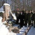 Mälestuskhetk ja pärgade asetamine Eesti Vabariigi sünnipäeva puhul Misso Vabadussõja ausamba juures. Foto: Kermo Rannamäe