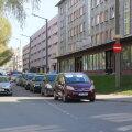 FOTOD | Tallinnas pussitas jalakäija vastassuunavööndis sõitnud autojuhti, mees viidi raskete vigastustega haiglasse