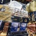 Konfiskeeritud kaup maksu- ja tolliameti laos.