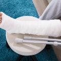 Кто в ответе за перелом? Два работодателя не желают оплачивать больничный своего работника
