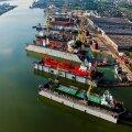 1.Aastal 2001 sai tehas ka Klaipeda Laevaremonditehase aktsiate omanikuks, mis sai praegugi edukalt tegutseva kontserni Western Shipyard aluseks. Niivõrd märkimisväärne tegevuse laienemine – nelikümmend tütarettevõtet neljas riigis – andis aktsiaseltsi ju