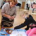 Õppimisvõimalusi tutvustas ja loomingulisi hetki pakkus lastekaitsepäeva programmi raames Märjamaa muusika- ja kunstikool. Foto: Piret Linnamägi
