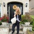 11-aastaselt perega Kanadasse kolinud sisekujundajat Kristiina Roosimaad hoiab Torontos pere ja kodu, aga ka paremad võimalused erialaseks eneseteostuseks.
