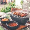Как быстро и вкусно приготовить соус для шашлыка: 7 простых рецептов
