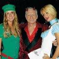 Halloweeni pidu 2007. aastal – Nicky ja Paris Hilton koos Hefneriga