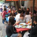 KOHE NÄHA, ET HEA PAIK: populaarsus kohalike hulgas on tublile tänavasöögikohale parimaks tegevusloaks ja soovituskirjaks.