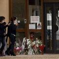 Võimud: islamist, kes raius Prantsusmaal õpetajal pea maha, palus ohvri leidmiseks kooli ees seisnud noorte abi
