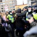 В Швеции, Германии и Австрии прошли массовые протесты против коронавирусных ограничений