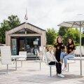 Rebecca Karu, Emili Mirtel Markov ja Kätriin Jurak töötavad sel suvel laste oma kohvikus ehk Lohvikus.