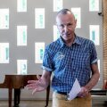 Harry Liivrand ütleb, et niigi vähene rahastus on kultuuriministeeriumi kunstinõuniku õnnistusel suunatud kõige suurematele asutustele.