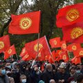 Президент Киргизии распорядился ввести войска в Бишкек. В городе объявлено чрезвычайное положение