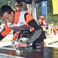 Oma esimese kõrge koha raievõistlustel saavutas Jarro Mihkelson küll laasimises, aga tal on hästi käpas ka saeketi vahetamine.