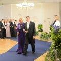 OTSE: Vaata DelfiTV-st presidendipaari ja külaliste kätlemist!