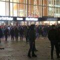 Vaid kolm Kölni uusaastaöö seksuaalrünnakute eest vahistatud 58 mehest on pagulased