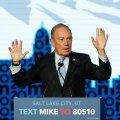 KULUTAB, NAGU HOMSET POLEKS: isikliku rahakoti paksus annab Mike Bloombergile teiste kandidaatide ees olulise eelise.