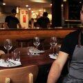 """Vaid elaval tulel süüavalmistav Austraalias asuva restorani """"Firedoor"""" peakokk Lennox Hastie."""